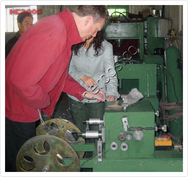 Eyelets Metal Tape Shaper for Reinforced Gasket.jpg