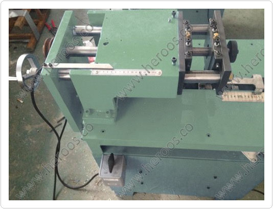 Double Knives Cut Machine for Gaskets 5